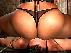 Mistress shows her slave who`s in charge